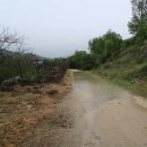 Las lluvias de días anteriores dejaron algunos caminos encharcados.