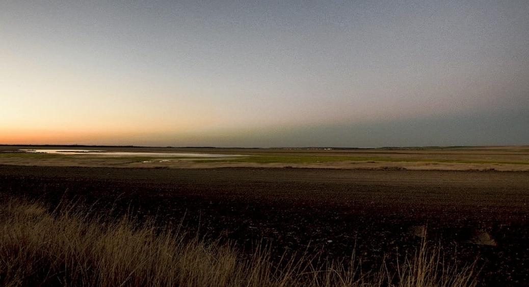 Laguna de El Oso, Ávila, al anochecer. Imagen de Javier Pérez Tarruella.